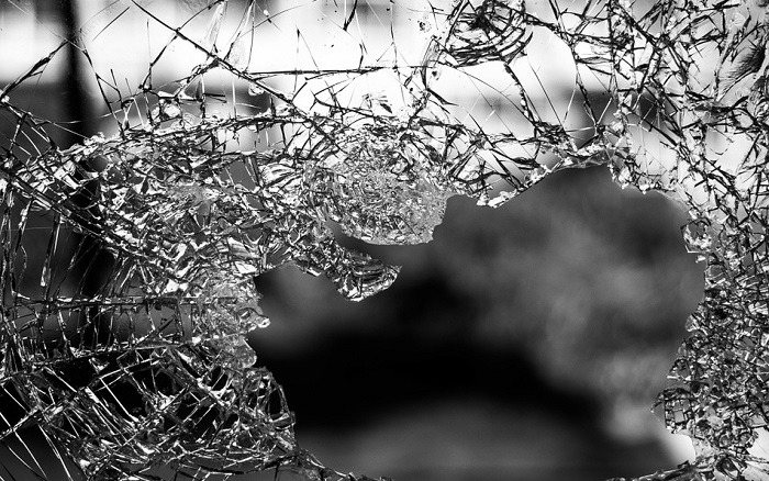 Breaking of glass is good or bad hindu
